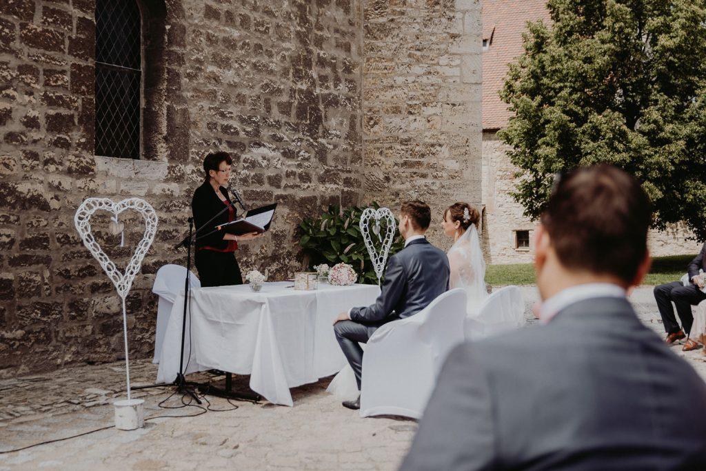 Hochzeit-Schloss-Neuenburg-by-Steven-Schwanz-19