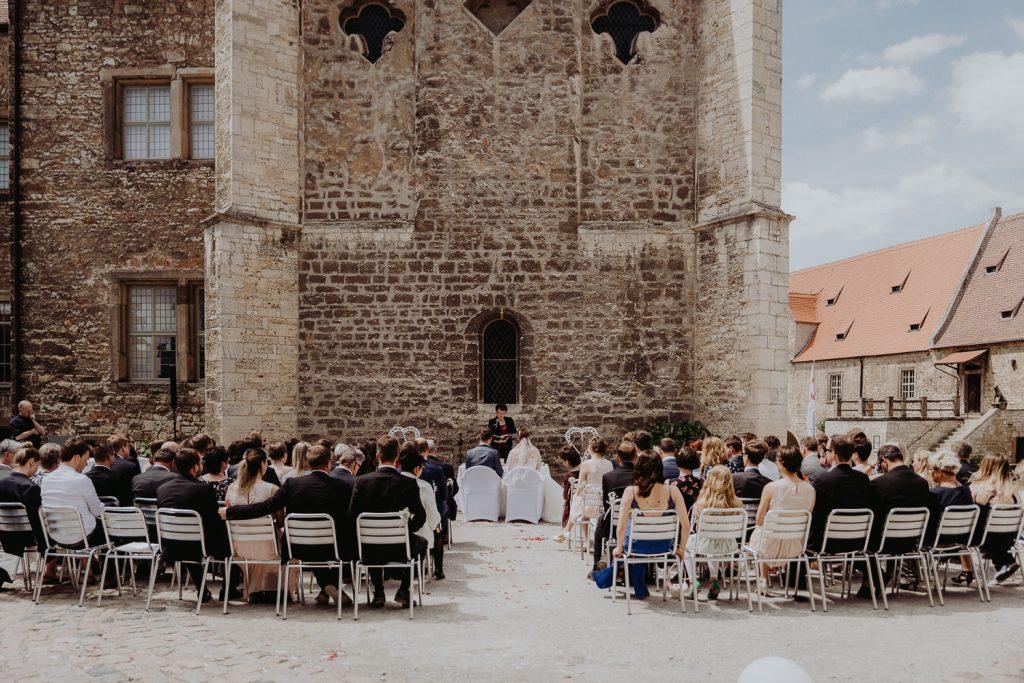 Hochzeit-Schloss-Neuenburg-by-Steven-Schwanz-20