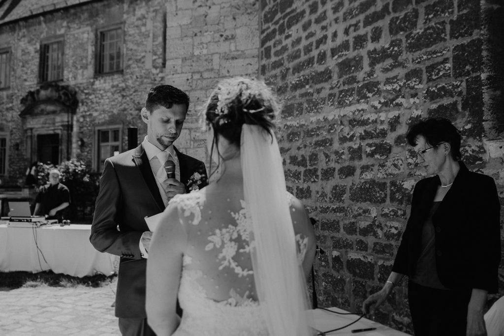Hochzeit-Schloss-Neuenburg-by-Steven-Schwanz-26