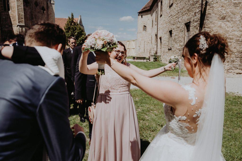 Hochzeit-Schloss-Neuenburg-by-Steven-Schwanz-34
