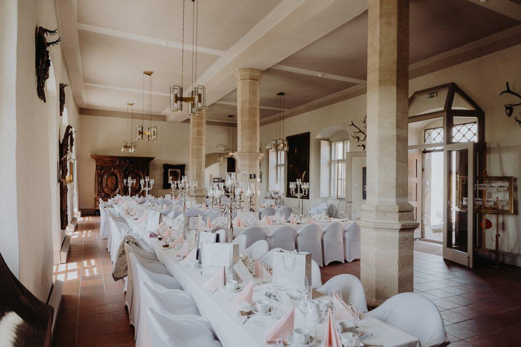 Hochzeit-Schloss-Neuenburg-by-Steven-Schwanz-37