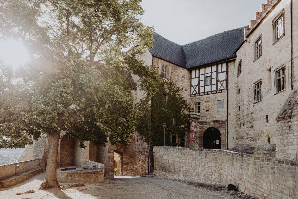 Hochzeit-Schloss-Neuenburg-by-Steven-Schwanz-43