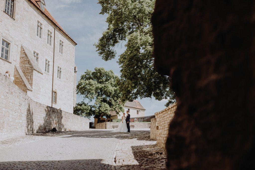 Hochzeit-Schloss-Neuenburg-by-Steven-Schwanz-56