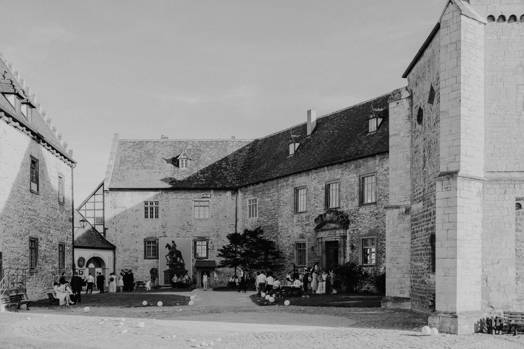 Hochzeit-Schloss-Neuenburg-by-Steven-Schwanz-74