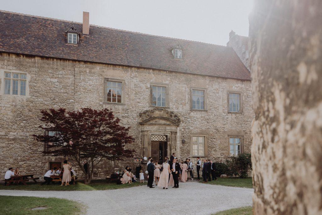 Hochzeit-Schloss-Neuenburg-by-Steven-Schwanz-77