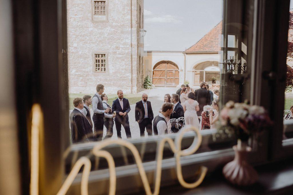Hochzeit-Schloss-Neuenburg-by-Steven-Schwanz-78