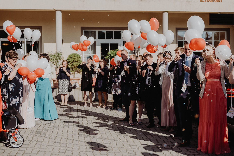 Kirchliche-Hochzeit-in-Wörlitz-Wörlitzer-Hof-by-Steven-Schwanz-114