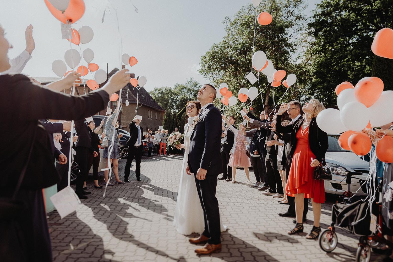 Kirchliche-Hochzeit-in-Wörlitz-Wörlitzer-Hof-by-Steven-Schwanz-117