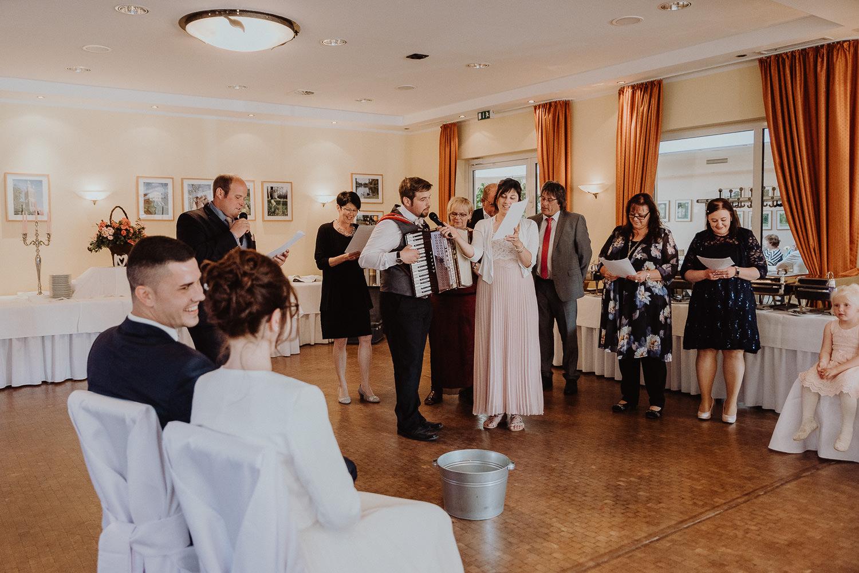 Kirchliche-Hochzeit-in-Wörlitz-Wörlitzer-Hof-by-Steven-Schwanz-125