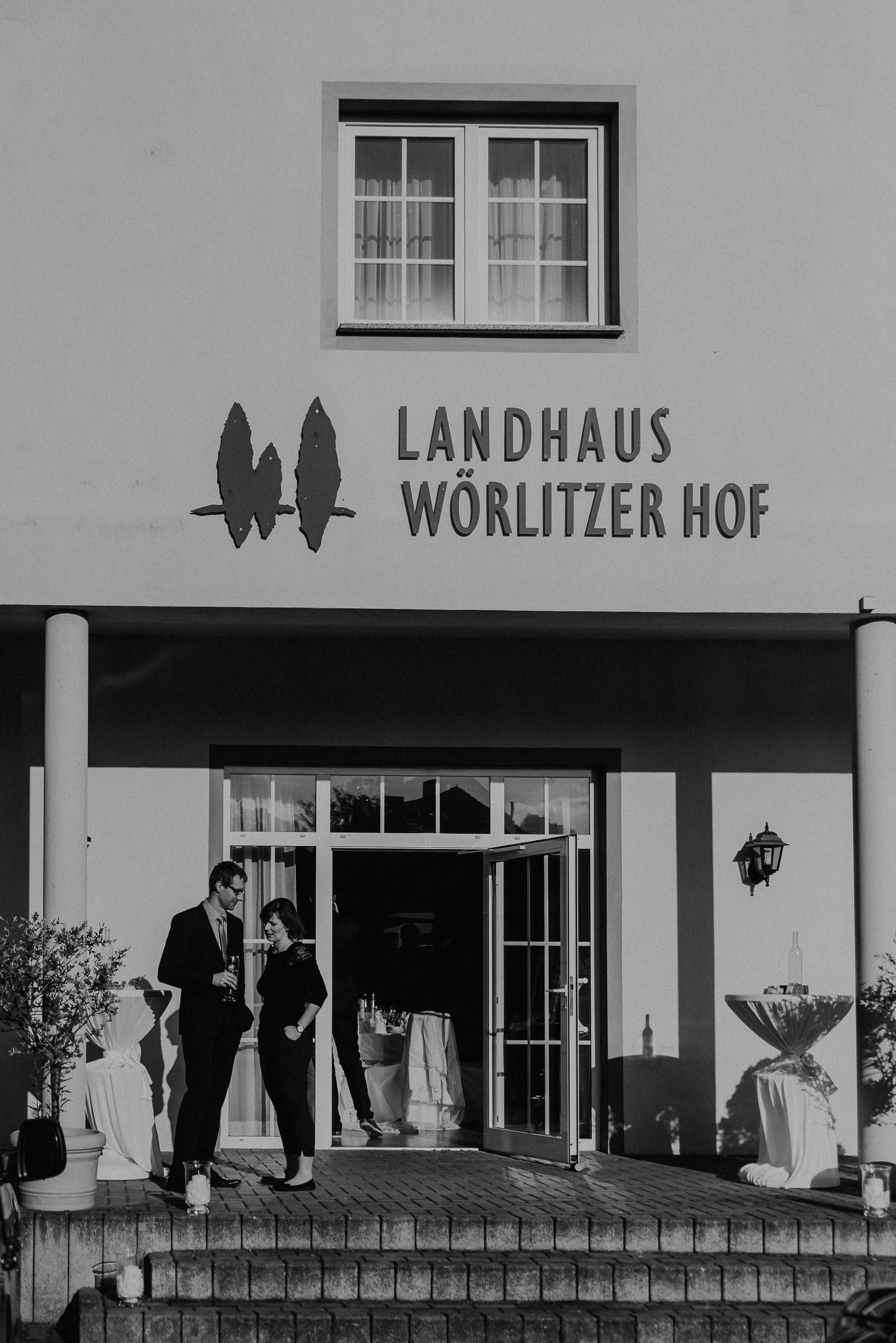 Kirchliche-Hochzeit-in-Wörlitz-Wörlitzer-Hof-by-Steven-Schwanz-139