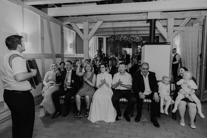 Kirchliche-Hochzeit-in-Wörlitz-Wörlitzer-Hof-by-Steven-Schwanz-144