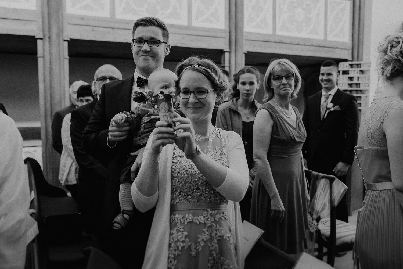 Kirchliche-Hochzeit-in-Wörlitz-Wörlitzer-Hof-by-Steven-Schwanz-15