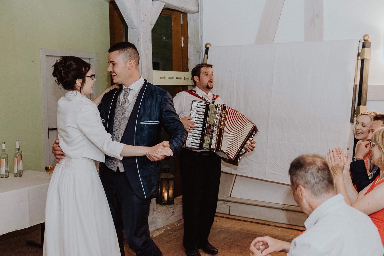 Kirchliche-Hochzeit-in-Wörlitz-Wörlitzer-Hof-by-Steven-Schwanz-150