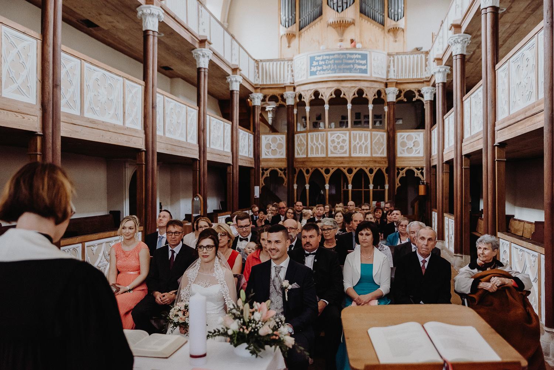 Kirchliche-Hochzeit-in-Wörlitz-Wörlitzer-Hof-by-Steven-Schwanz-22