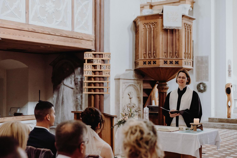 Kirchliche-Hochzeit-in-Wörlitz-Wörlitzer-Hof-by-Steven-Schwanz-23