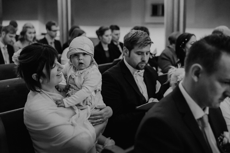 Kirchliche-Hochzeit-in-Wörlitz-Wörlitzer-Hof-by-Steven-Schwanz-25
