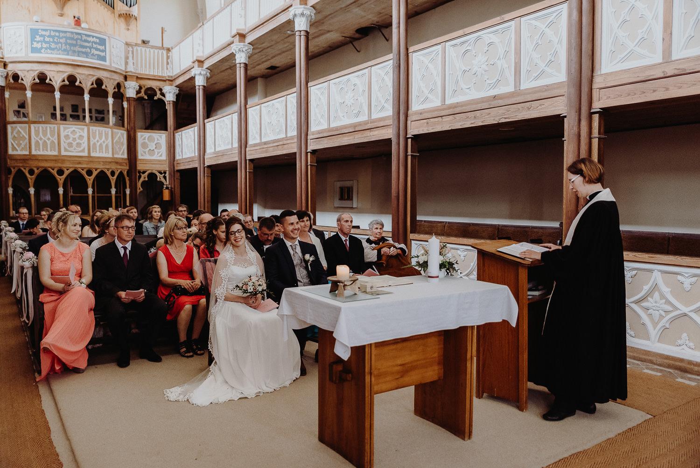 Kirchliche-Hochzeit-in-Wörlitz-Wörlitzer-Hof-by-Steven-Schwanz-28