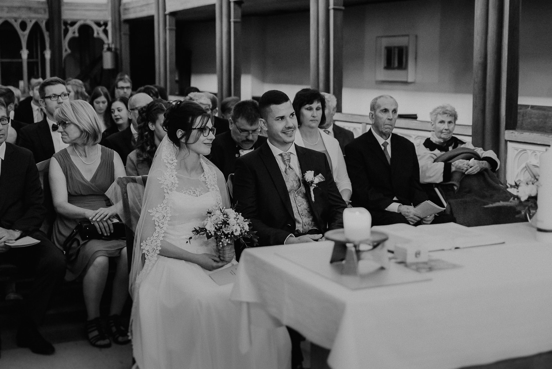 Kirchliche-Hochzeit-in-Wörlitz-Wörlitzer-Hof-by-Steven-Schwanz-29