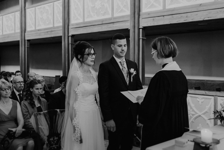 Kirchliche-Hochzeit-in-Wörlitz-Wörlitzer-Hof-by-Steven-Schwanz-31