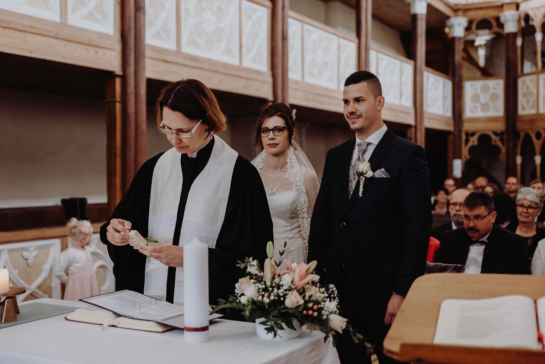 Kirchliche-Hochzeit-in-Wörlitz-Wörlitzer-Hof-by-Steven-Schwanz-32
