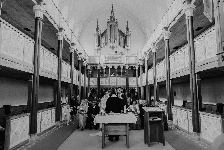 Kirchliche-Hochzeit-in-Wörlitz-Wörlitzer-Hof-by-Steven-Schwanz-39