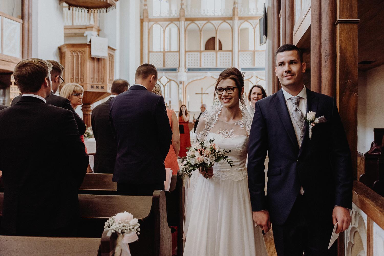 Kirchliche-Hochzeit-in-Wörlitz-Wörlitzer-Hof-by-Steven-Schwanz-43