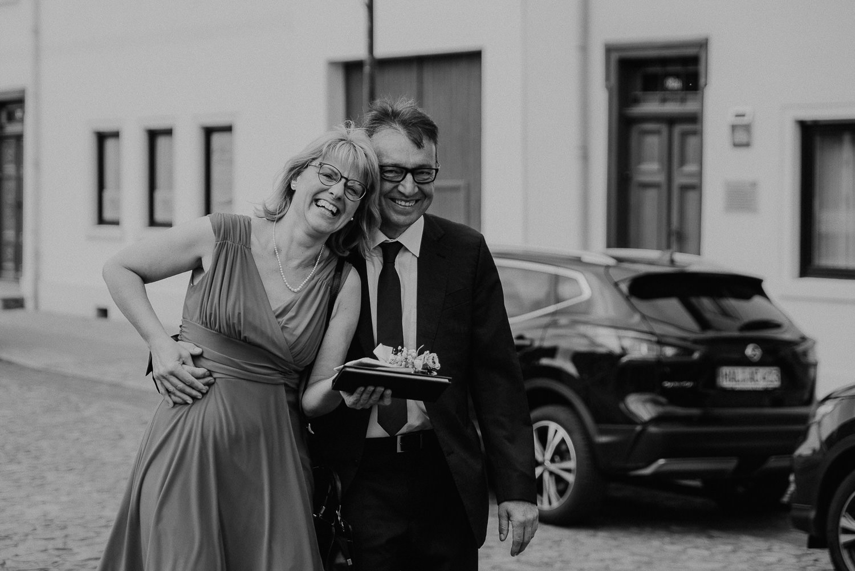 Kirchliche-Hochzeit-in-Wörlitz-Wörlitzer-Hof-by-Steven-Schwanz-46