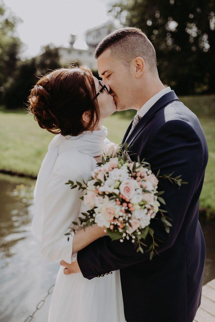 Kirchliche-Hochzeit-in-Wörlitz-Wörlitzer-Hof-by-Steven-Schwanz-70