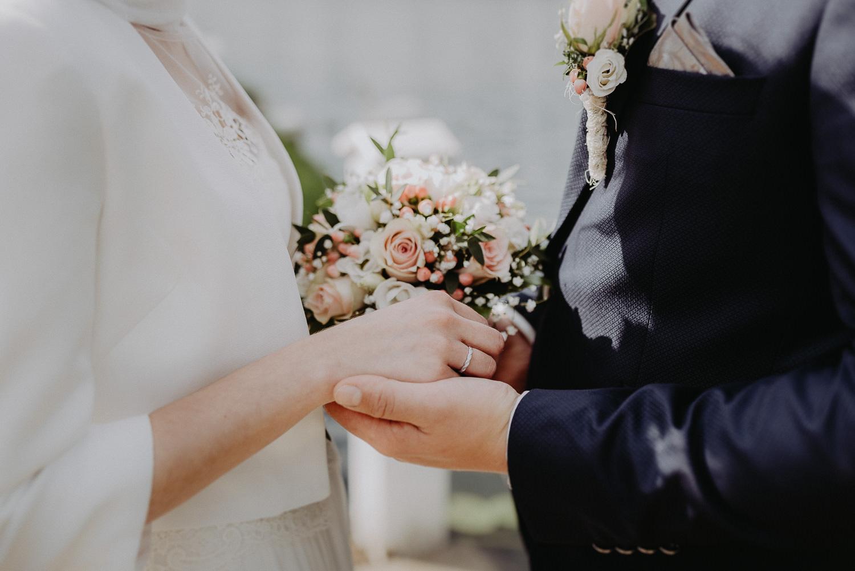 Kirchliche-Hochzeit-in-Wörlitz-Wörlitzer-Hof-by-Steven-Schwanz-76
