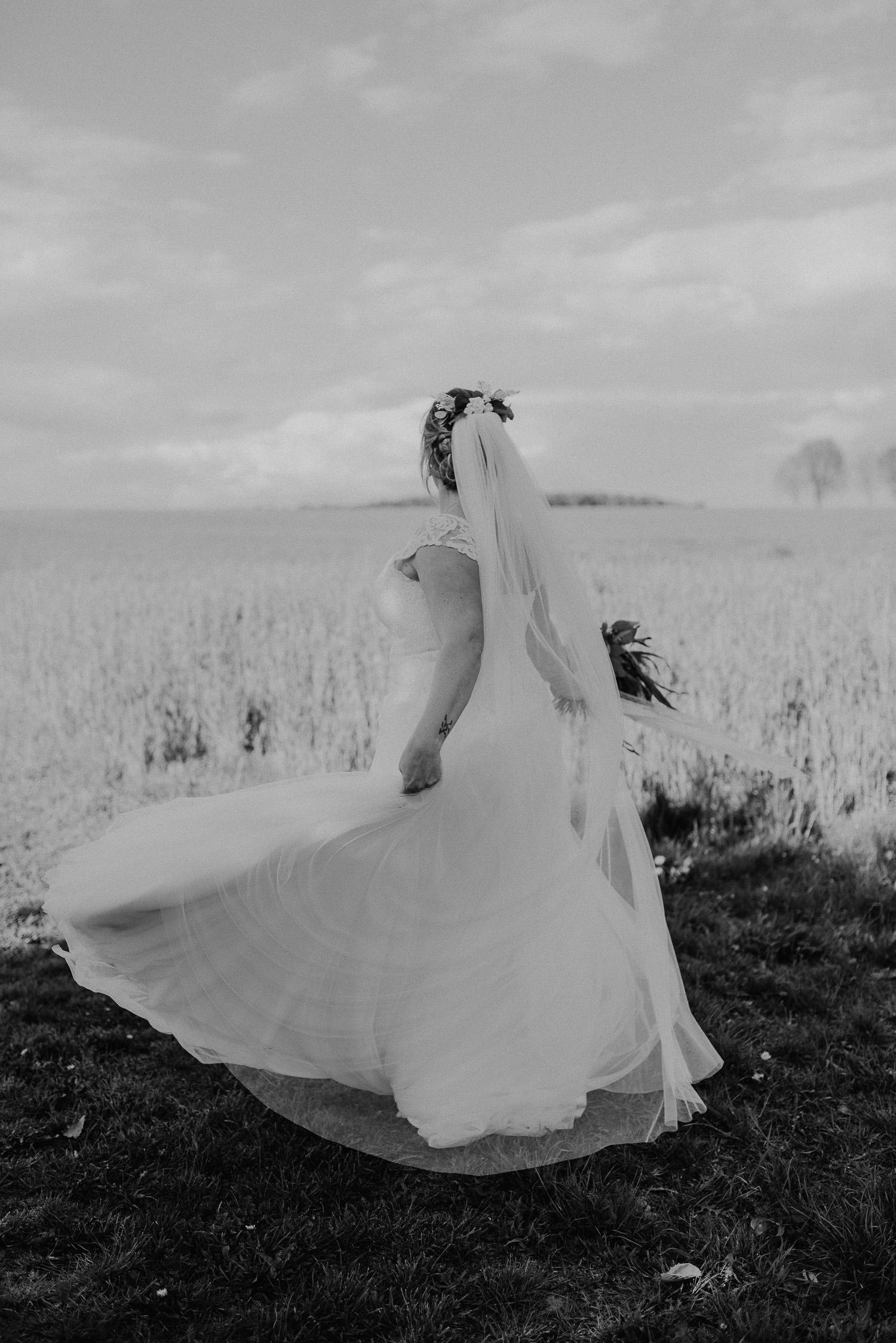 Scheunen-Hochzeit-Alte-Schmiede-Niemegk-by-Steven-Schwanz-104