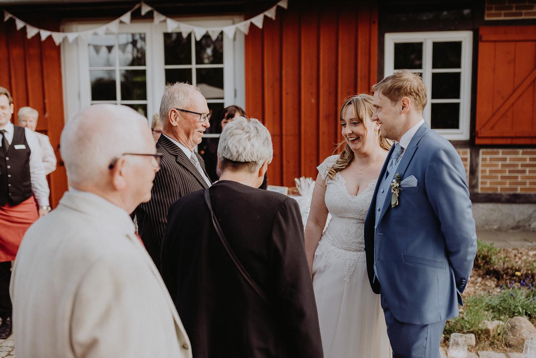 Scheunen-Hochzeit-Alte-Schmiede-Niemegk-by-Steven-Schwanz-106