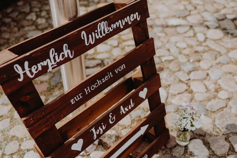 Scheunen-Hochzeit-Alte-Schmiede-Niemegk-by-Steven-Schwanz-11