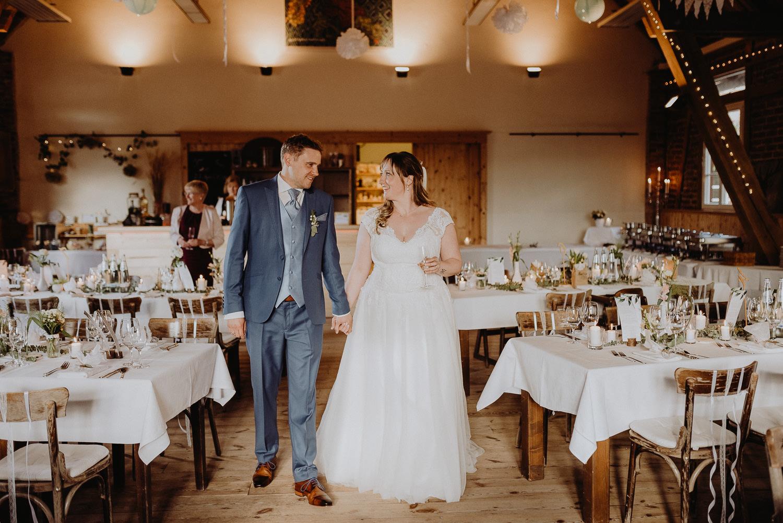 Scheunen-Hochzeit-Alte-Schmiede-Niemegk-by-Steven-Schwanz-111