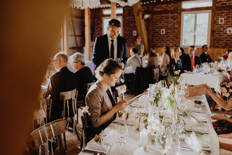 Scheunen-Hochzeit-Alte-Schmiede-Niemegk-by-Steven-Schwanz-115