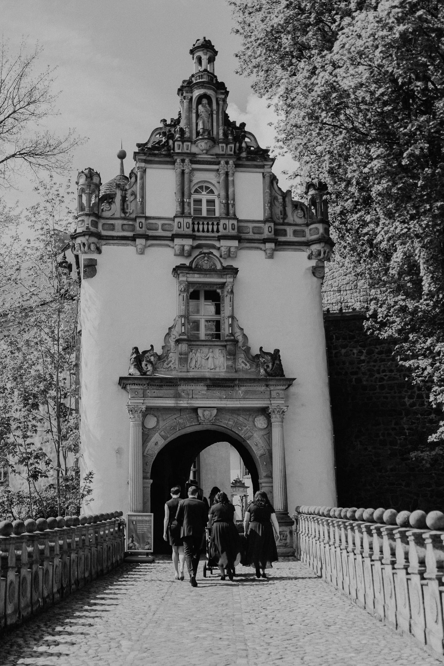 Scheunen-Hochzeit-Alte-Schmiede-Niemegk-by-Steven-Schwanz-12