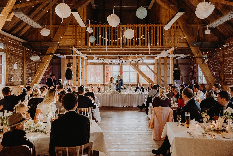 Scheunen-Hochzeit-Alte-Schmiede-Niemegk-by-Steven-Schwanz-121