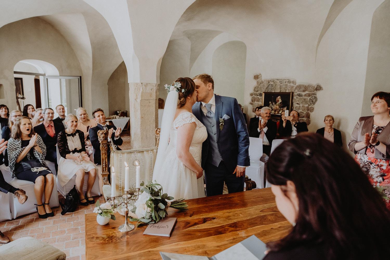 Scheunen-Hochzeit-Alte-Schmiede-Niemegk-by-Steven-Schwanz-32