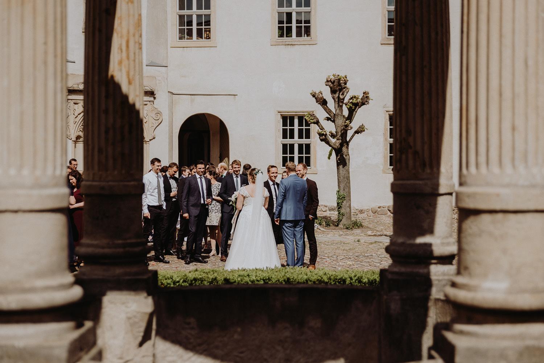 Scheunen-Hochzeit-Alte-Schmiede-Niemegk-by-Steven-Schwanz-41