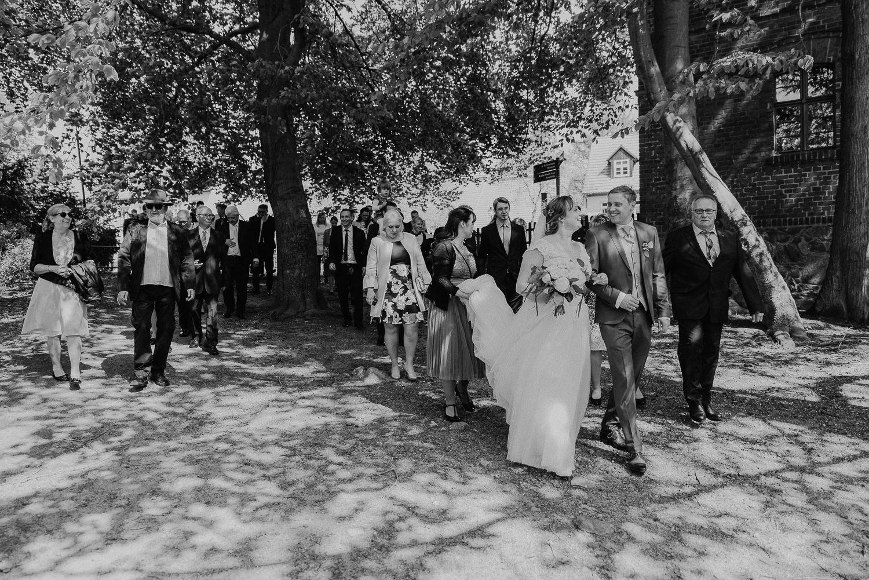Scheunen-Hochzeit-Alte-Schmiede-Niemegk-by-Steven-Schwanz-44
