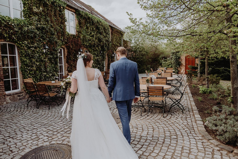 Scheunen-Hochzeit-Alte-Schmiede-Niemegk-by-Steven-Schwanz-48
