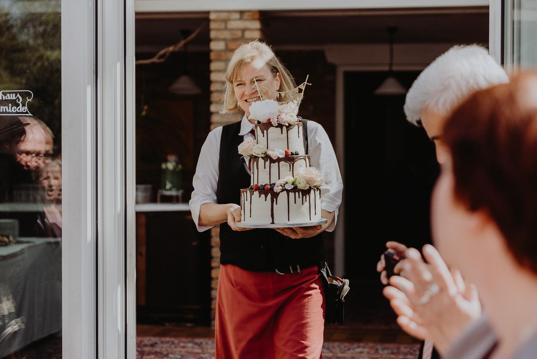 Scheunen-Hochzeit-Alte-Schmiede-Niemegk-by-Steven-Schwanz-50
