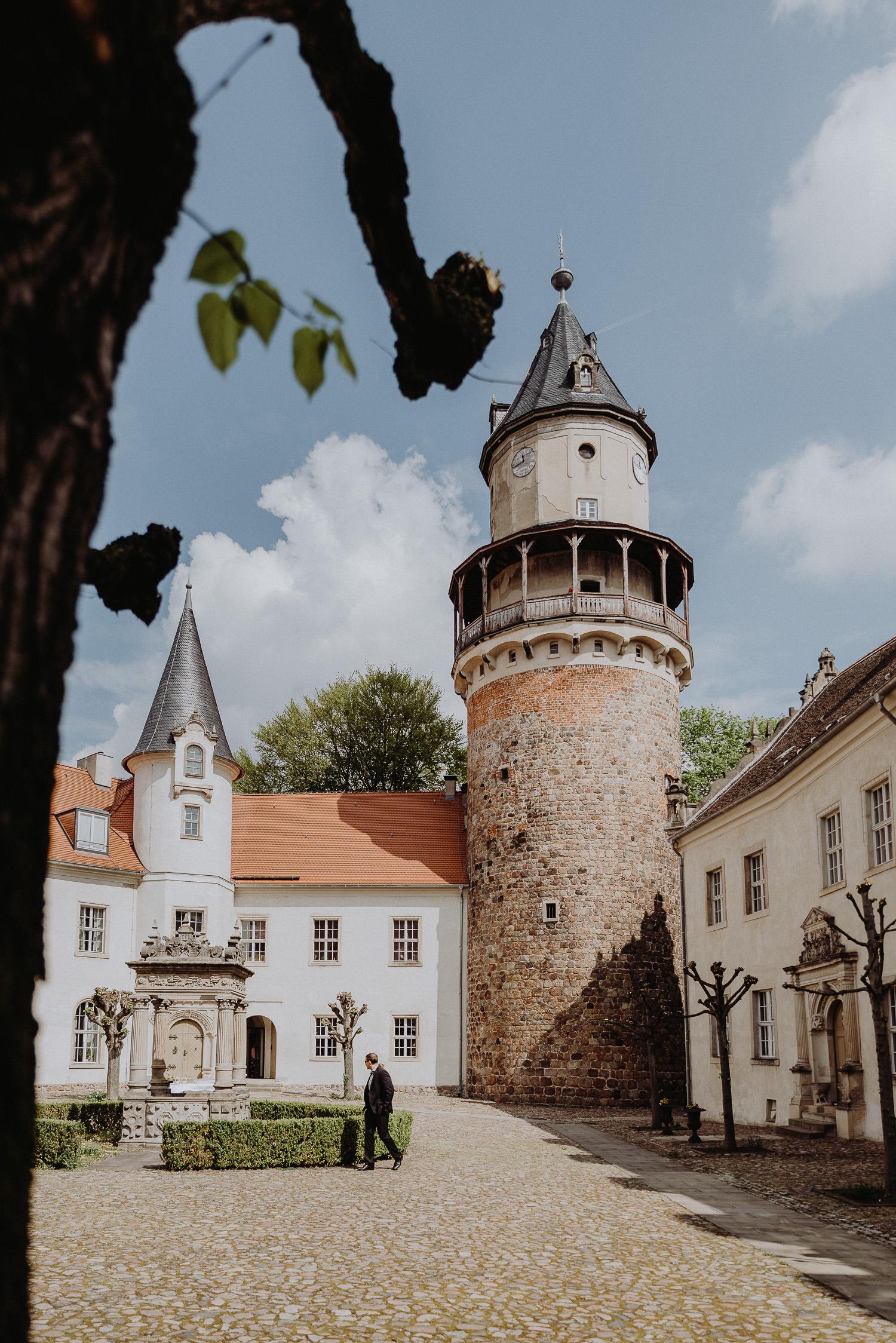 Scheunen-Hochzeit-Alte-Schmiede-Niemegk-by-Steven-Schwanz-6
