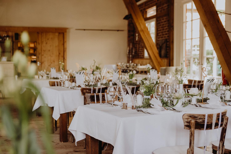 Scheunen-Hochzeit-Alte-Schmiede-Niemegk-by-Steven-Schwanz-64