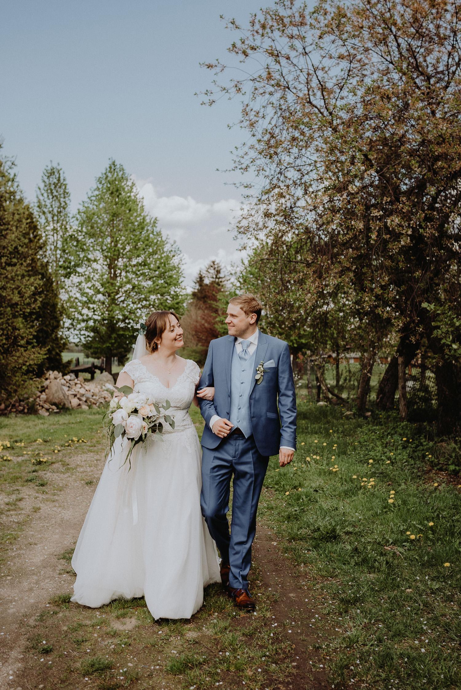 Scheunen-Hochzeit-Alte-Schmiede-Niemegk-by-Steven-Schwanz-69