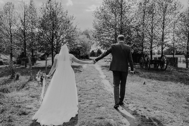 Scheunen-Hochzeit-Alte-Schmiede-Niemegk-by-Steven-Schwanz-72