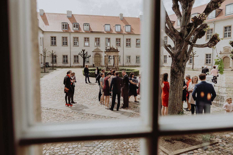 Scheunen-Hochzeit-Alte-Schmiede-Niemegk-by-Steven-Schwanz-8